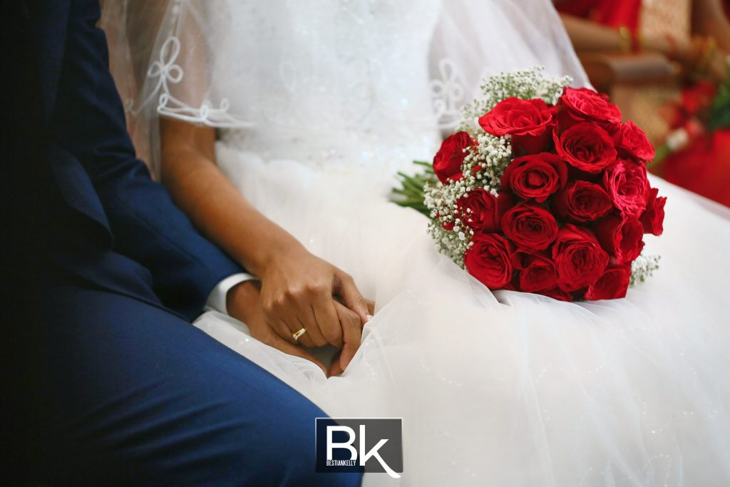 winsen-and-cynthia, church wedding, penang wedding, fresh flower, clock, flower girl