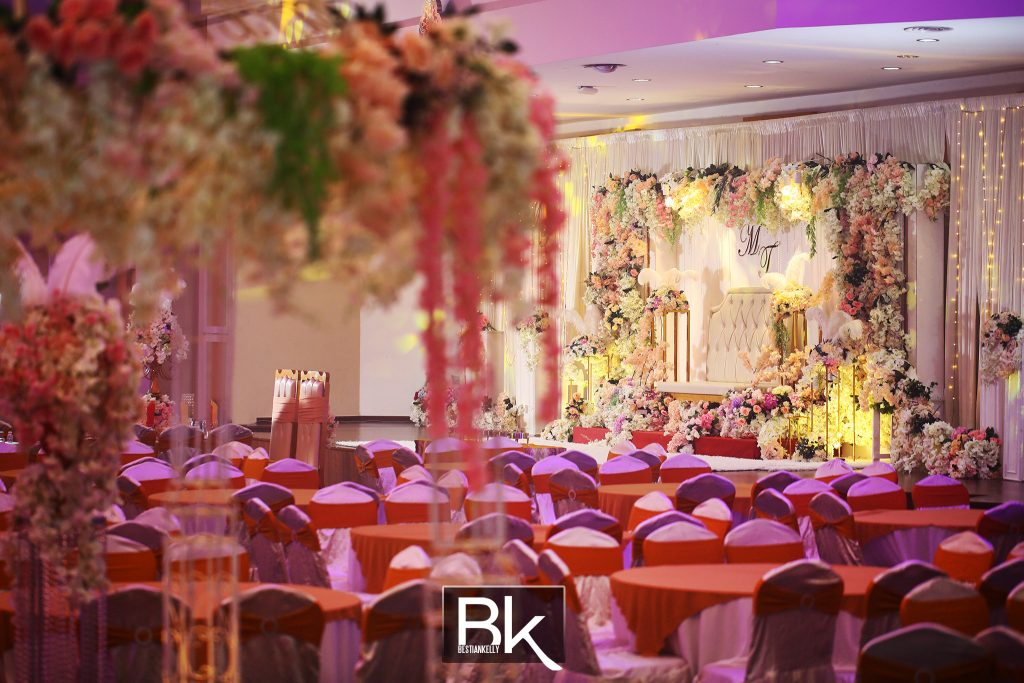 hotel ballroom, multipurpose hall, school hall, which one cheaper, expensive hotel, expensive ballroom, decorations, professional decoration, deco, bestiankelly photography, bestiankelly, wedding receptions, wedding dinner, expensive decoration, economical decoration, cheap decoration, basic decoration, welcome guest table, fresh flowers, e&o hotel, penang, kl, kl hall